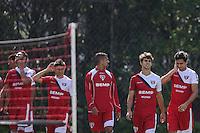 SAO PAULO, SP, 13.05.2014 - TREINO SAO PAULO - Paulo Henrique Ganso (D) durante treino do Sao Paulo FC no Centro de Treinamento da Barra Funda na regiao oeste de Sao Paulo, nesta terca-feira, 13. (Foto: William Volcov / Brazil Photo Press).