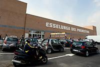 Roma, 5 Aprile 2017<br /> L'entrata di Esselunga del prenestino.<br /> Apre il primo Superstore di Esselunga a Roma, in Via Palmiro Togliatti.