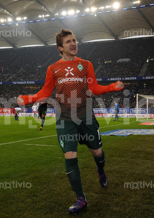 FUSSBALL   1. BUNDESLIGA   SAISON 2011/2012   22. SPIELTAG Hamburger SV - Werder Bremen       18.02.2012 Marko Marin (SV Werder Bremen) bejubelt seinen Treffer zum 0:1