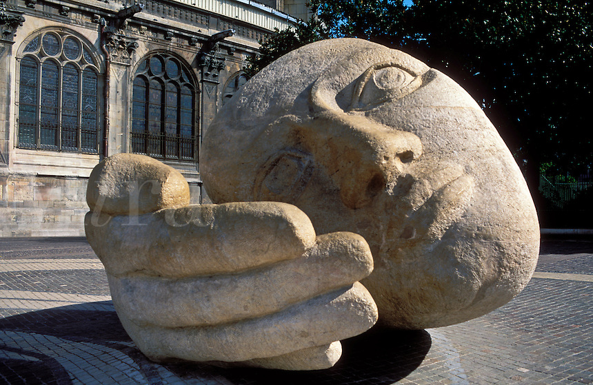 France,Paris,St-Eustache and sculptured head, L'Ecoute, by Henri de Miller