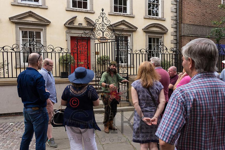 Nottingham City Business Club Robin Hood tour around the city with Ezekial Bone