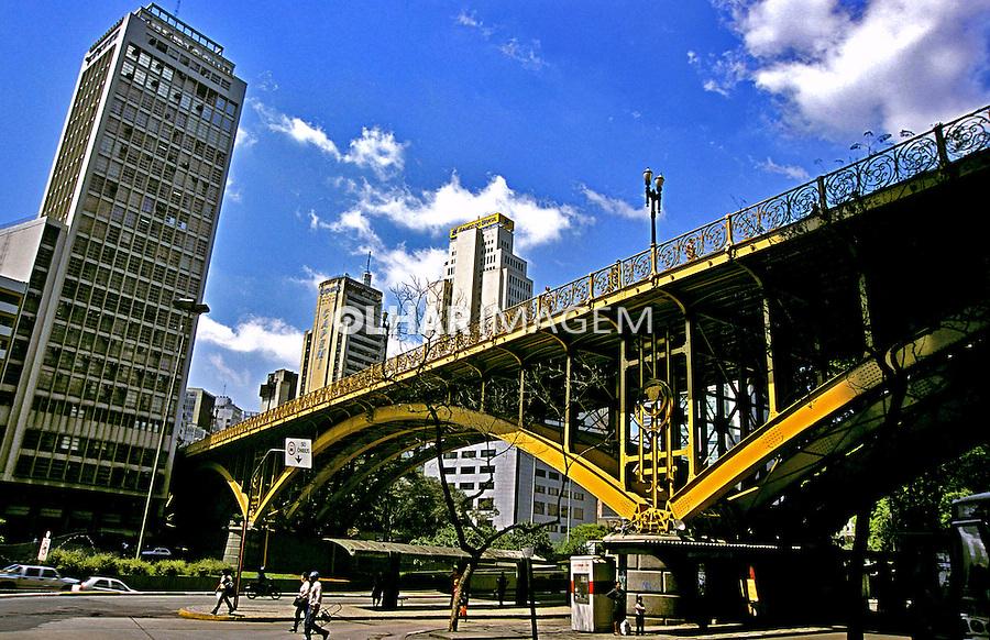 Viaduto Santa Efigênia em São Paulo. 2002. Foto de Juca Martins.