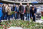 Stockholm 2014-04-06 Fotboll Allsvenskan Djurg&aring;rdens IF - Halmstads BK :  <br /> Djurg&aring;rdens supportrar l&auml;gger rosor nedanf&ouml;r Sofial&auml;ktaren i Tele2 Arena och som en hyllning innan matchen till den Djurg&aring;rdssupporter som avled i samband med den allsvenska premi&auml;ren i Helsingborg<br /> (Foto: Kenta J&ouml;nsson) Nyckelord:  Djurg&aring;rden DIF Tele2 Arena Halmstad HBK supporter fans publik supporters tifo hyllning Myggan Stefan Isaksson<br /> (Foto: Kenta J&ouml;nsson) Nyckelord:  Djurg&aring;rden DIF Tele2 Arena Halmstad HBK