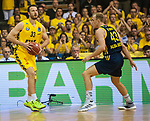 02.06.2019, EWE Arena, Oldenburg, GER, easy Credit-BBL, Playoffs, HF Spiel 1, EWE Baskets Oldenburg vs ALBA Berlin, im Bild<br /> Philipp SCHWETHELM (EWE Baskets Olldenburg #33 ) Luke SIKMA (ALBA Berlin #43 )<br /> <br /> Foto © nordphoto / Rojahn