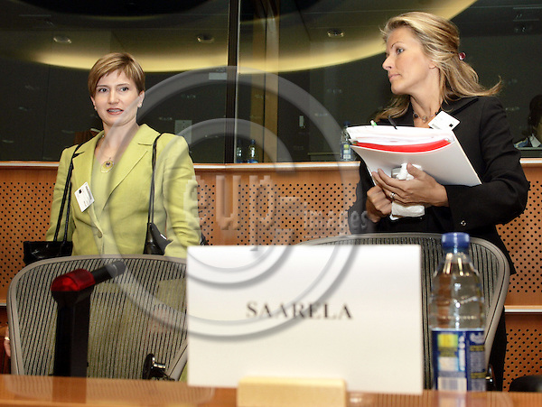 BRUSSELS - BELGIUM - 13 JULY 2006 -- EU-Parliament hearing of the Finnish Ministers of the EU-Presidency. -- Tanja SAARELA, Minister of Culture and Susanna HUOVINEN (Le), Minister of Transport and Communications of Finland during the hearing in the European Parliament. -- PHOTO: JUHA ROININEN / EUP-IMAGES