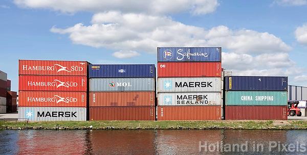 Nederland Amsterdam 2018.  Containers in de Amsterdamse haven, langs het Noordzeekanaal.  Foto Berlinda van Dam / Hollandse Hoogte