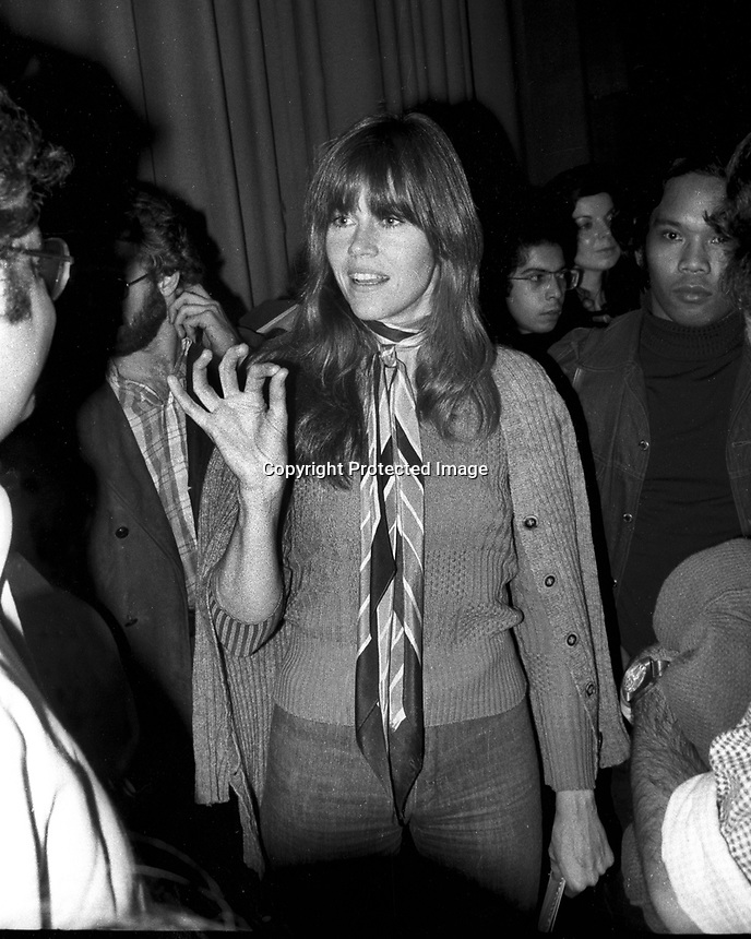 Actress Jane Fonda with students at University of California at Berkeley. Nov 20,1974 (photo by Ron Riesterer)
