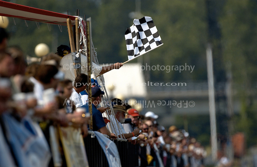 Checkered flag for Mike Seebold