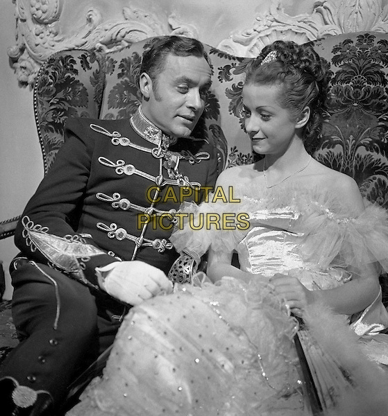 CHARLES BOYER & DANIELLE DARRIEUX.in Mayerling.*Filmstill - Editorial Use Only*.CAP/PLF.Supplied by Capital Pictures.