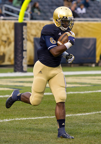 October 06, 2012:  Notre Dame running back Theo Riddick (6) during NCAA Football game action between the Notre Dame Fighting Irish and the Miami Hurricanes at Soldier Field in Chicago, Illinois.  Notre Dame defeated Miami 41-3.