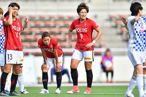 (L-R) スィ Akari Shiraki, 「/Kozue Ando,  セ、ェ」 Yuika Sugasawa (Reds Ladies), <br /> JUNE 17, 2017 - Football / Soccer : <br /> Plenus Nadeshiko League Cup 2017 Division 1 <br /> match between Urawa Reds Ladies 0-0 Vegalta Sendai Ladies <br /> at Saitama Urawa Komaba Stadium in Saitama, Japan. <br /> (Photo by MATSUO.K/AFLO SPORT)