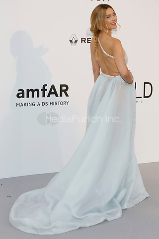 Petra Nemcova at the amfAR Gala Cannes 2017 at Hotel du Cap-Eden-Roc on May 25, 2017 in Cap d'Antibes, France. Credit: John Rasimus /MediaPunch ***FRANCE, SWEDEN, NORWAY, DENARK, FINLAND, USA, CZECH REPUBLIC, SOUTH AMERICA ONLY***