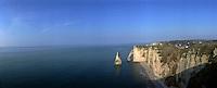 Europe/France/Normandie/Haute-Normandie/76/Seine-Maritime/Etretat: Falaises , Porte d'aval et Aiguille