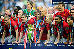 Manchester United celebrates winning the Premier League during the Premier League match at The JJB Stadium, Wigan. Picture date 11th May 2008. Picture credit should read: Simon Bellis/Sportimage