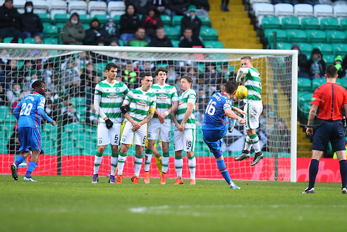20.02.2016. Celtic Park, Glasgow, Scotland. Scottish Premier League. Celtic versus Inverness CT. Greg Tansey tries to curl a free kick over the Celtic wall