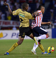 BARRANQUIILLA -COLOMBIA-08-12-2013. Aspecto del encuentro entre Atlético Junior y Itagui de la fecha 6 de la Liga Postobón II 2013 realizado en el estadio Atanasio Girardot de la ciudad de Medellín./ Aspect of match between Atlético  Junior and Itagui during 6th date of Postobon  League II 2013 at Atanasio Girardot stadium in Medellin city..  Photo: VizzorImage/Alfonso Cervantes/STR