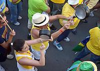 CAMPINAS,SP, 16.08.2015 - PROTESTO - Manifestante, durante ato contra o governo Dilma Rousseff (Partido dos Trabalhadores), no Largo do Rosário, em Campinas, neste domingo, 16. (Foto: Eduardo Carmim/Brazil Photo Press)