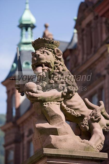 Europe/Allemagne/Bade-Würrtemberg/Heidelberg: détail Satue Lion de la Fontaine aux lions sur la place de l'Université