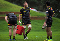 Brad Shields chats to Ben Lam. Wellington Lions rugby union Mitre 10 Cup training at Rugby League Park in Wellington, New Zealand on Thursday, 18 August 2017. Photo: Dave Lintott / lintottphoto.co.nz