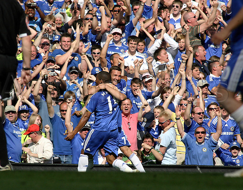 11 May 2008: Chelsea striker Andriy Shevchenko celebrates his goal during the final Premier League fixture of the season between Chelsea and Bolton Wanderers played at Stamford Bridge. The game finished 1-1. **No Sales Japan** Photo: Actionplus....080511 soccer football player joy celebration