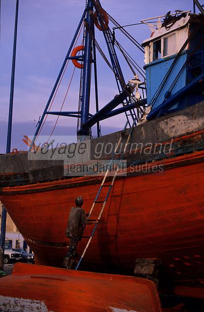 Afrique/Maghreb/Maroc/Essaouira : Détail du chantier naval sur le port de pêche