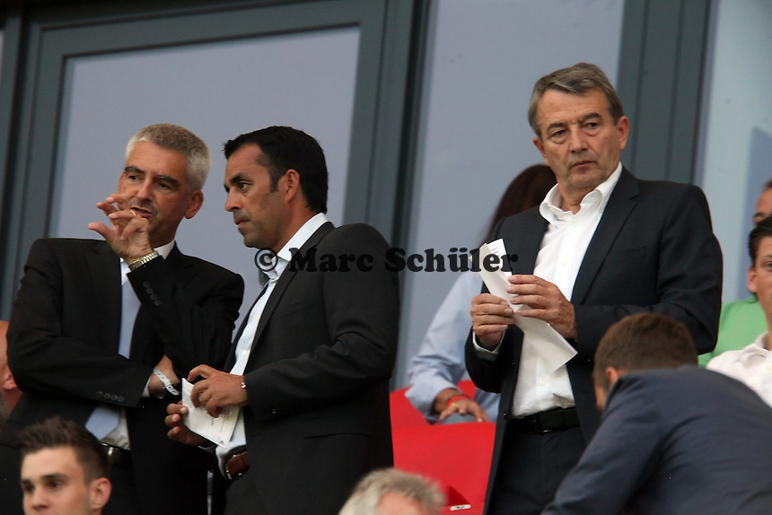 DFB-Generalsekretär Helmut Sandrock, Sportdirektor Robin Dutt, DFB-Präsident Wolfgang Niersbach