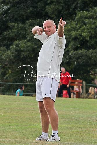 MATT ELLIOTT ..... SEPT 2011 ..... ALL-STARS CHARITY CRICKET ..... Rothley Park CC