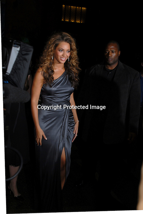 Beyonce..arriving at The Ovarian Cancer Research Fund L'Oreal Legends Gala on November 8, 2006 at The American Museum of Natural History. ..Robin Plater, Twin Images