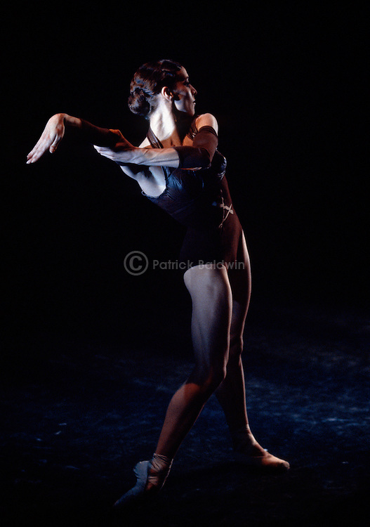 English National Ballet. Xntricities. Choreographer: Mauro Bigonzetti