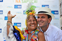 RIO DE JANEIRO, RJ, 12 DE FEVEREIRO DE 2012 - CARNAVAL RIO 2012 - O Prefeito Eduardo Paes, e uma foliã, na abertura oficial do novo Sambódromo do Rio, que também será utilizado nos Jogos Olímpicos, e que após reformas recebeu o traçado original projetado por Oscar Niemeyer há quase 30 anos. <br /> FOTO GLAICON EMRICH - NEWS FREE