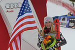 10.03.2018, Ofterschwanger Horn, Ofterschwang, GER, Slalom Weltcup in Ofterschwang, im Bild Mikaela Shiffrin (USA, #4) mit Flagge der USA<br /> <br /> Foto &copy; nordphoto / Hafner