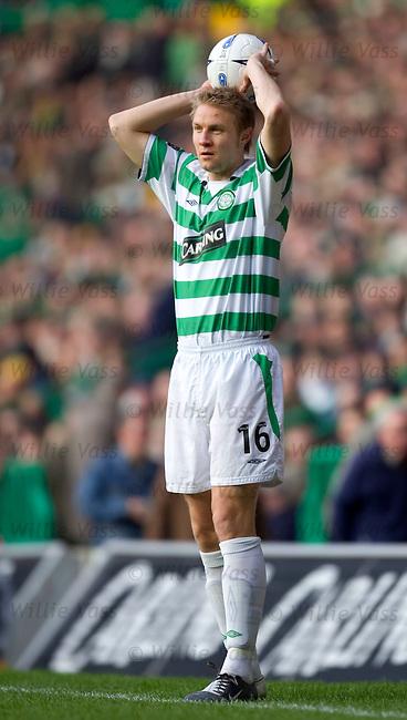 Ulrik Laursen, Celtic.stock season 2004-2005.pic willie vass