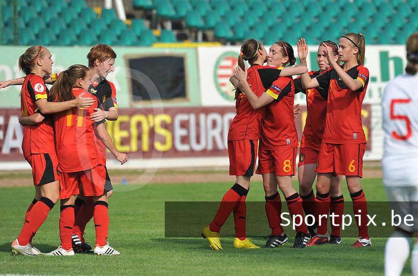 Hungary - Hongarije : UEFA Women's Euro Qualifying group stage (Group 3) - 20/06/2012 - 17:00 - szombathely  - : Hungary ( Hongarije ) - BELGIUM ( Belgie) :.Lien Mermans scoort en viert dit met haar ploegmaats.foto DAVID CATRY / JOKE VUYLSTEKE / Vrouwenteam.be.