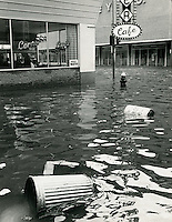1962  March  08.Historical         ..1962 NORFOLK FLOODING..CLIFTON GUTHRIE .NEG#.961-P..
