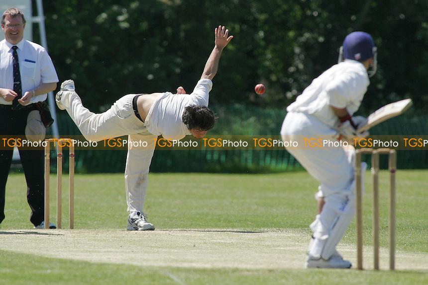 South Woodford CC vs Wanstead CC - Essex Cricket League - 28/05/05 - MANDATORY CREDIT: Gavin Ellis/TGSPHOTO - SELF-BILLING APPLIES WHERE APPROPRIATE. NO UNPAID USE -  Tel: 0845 0946026