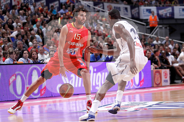 Spain's Victor Sada and France's Yannick Bokolo during friendly match.July 9,2012.(ALTERPHOTOS/Alconada)