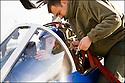 -2008- Salon-de-Provence- Capitaine Georges-Eric Castaing et son mécanicien l'adjudant Jérôme Tetu, juste avant le vol.