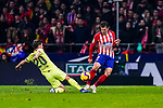Santiago Arias of Atletico de Madrid (R) fights for the ball with Sergi Roberto Carnicer of FC Barcelona (L) during the La Liga 2018-19 match between Atletico Madrid and FC Barcelona at Wanda Metropolitano on November 24 2018 in Madrid, Spain. Photo by Diego Souto / Power Sport Images