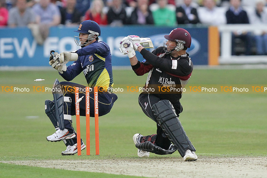 James Foster attempts to stump Somerset batsman Marcus Trescothick - Essex Eagles vs Somerset - Friends Life T20 cricket at the Ford County Ground, Chelmsford - 15/06/11 - MANDATORY CREDIT: Gavin Ellis/TGSPHOTO - Self billing applies where appropriate - Tel: 0845 094 6026