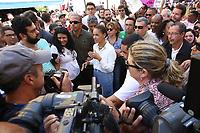 SÃO PAULO, SP, 08.09.2018 - ELEIÇÕES-2018 - A candidata pela REDE à presidência Marina Silva faz corpo a corpo a eleitores na rua 25 de Março, região central de São Paulo, neste sábado, 08. (Foto: Yuri Alexandre/Brazil Photo Press)