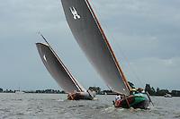 SKUTSJESILEN: WOUDSEND: Hegemer Mar, 06-08-2012, SKS skûtsjesilen, wedstrijd Woudsend, skûtsje d'Halve Maen, De Sneker Pan, ©foto Martin de Jong