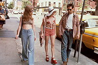 Taxi Driver (1976)<br /> Robert De Niro, Jodie Foster &amp; Billie Perkins<br /> *Filmstill - Editorial Use Only*<br /> CAP/KFS<br /> Image supplied by Capital Pictures