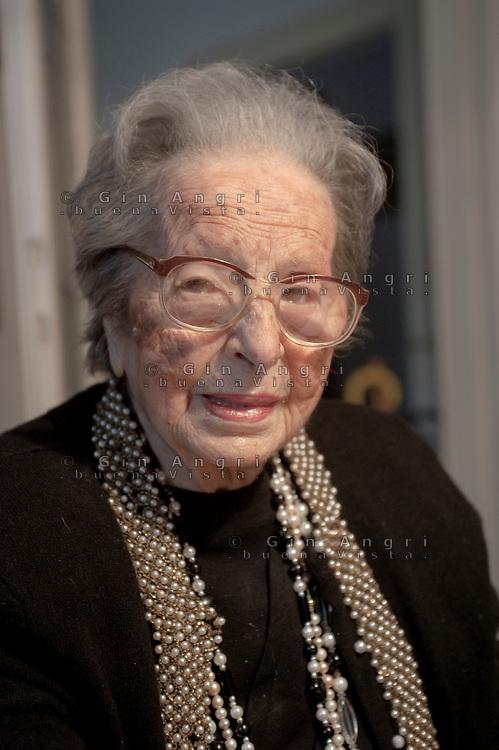Carla Porta Musa, scrittrice, nata a Como 1902