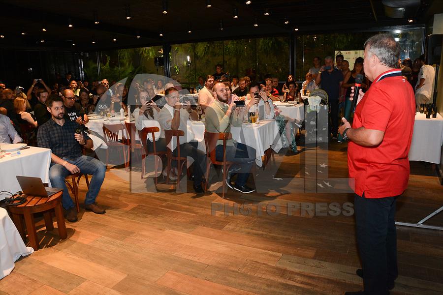 RIO DE JANEIRO, RJ, 02.03.2018 - ZICO-RJ - Arthur Antunes Coimbra, o Zico é visto durante evento de lançamento de sua primeira cerveja artesanal na churrascaria Mocellin na Barra da Tijuca no Rio de Janeiro nesta sexta-feira, 02. (Foto: Jorge Hely/Brazil Photo Press)