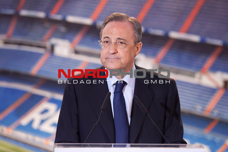 President of Real Madrid Florentino Perez during the official presentation of Gareth Bale as new player of Real Madrid football club in Santiago bernabeu Stadium in Madrid, Spain.. September 02, 2013. Foto © nph / Caro Marin)