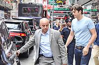 NEW YORK, ESTADOS UNIDOS, 21.06.2017 - ASHTON-KUTCHER - O ator norte-americano Ashton Kutcher é visto chegando a um estudio de televisão na região da Times Square em New York nesta quarta-feira, 21. (Foto: Vanessa Carvalho/Brazil Photo Press)