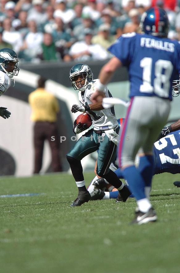 DEXTER WYNN, of the Philadelphia Eagles  in action against the New York Giants, on September 17, 2006 in Philadelphia...Giant win 30-24..Tomasso DeRosa / SportPics