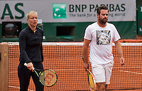 Paris, France, 03 June, 2016, Tennis, Roland Garros, Kiki Bertens (NED) warming up with her coach Raemon Sluiter before her semi final match against Serena Williams (USA)<br /> Photo: Henk Koster/tennisimages.com