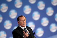 Il leader del Popolo della Liberta' Silvio Berlusconi tiene un comizio elettorale a Roma, 7 febbraio 2013..Italian center-right People of Freedom party's leader Silvio Berlusconi attends an electoral meeting in Rome, 7 February 2013..UPDATE IMAGES PRESS/Riccardo De Luca