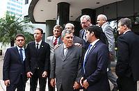 CURITIBA, PR, 23.04.2015 - LAVA-JATO / DEPUTAOS FEDERAIS - Deputados federais que integram a CPI da Petrobras falam com a imprensa após ter reunir com  o juiz Sérgio Moro.  na sede da Justiça Federal em Curitiba na manhã desta sexta-feira (24).O objetivo da reunião é pedir, pessoalmente, que o juiz compartilhe informações da operação Lava Jato que possam ser utilizadas na CPI. (Foto: Paulo Lisboa / Brazil Photo Press)